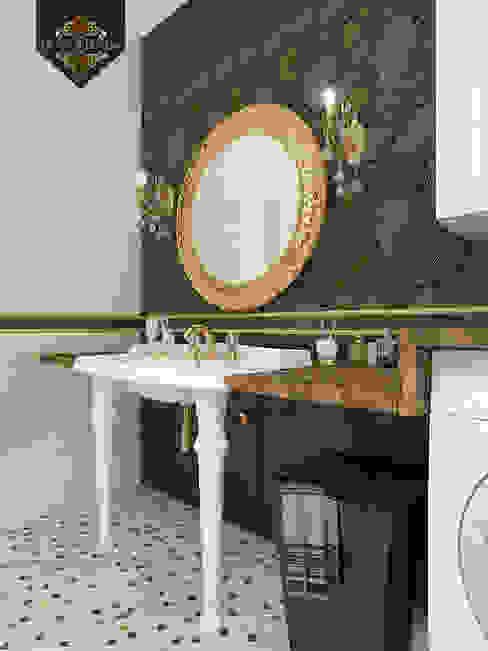 Золотая классика / трехкомнатная квартира в Казани по ул. Муштари Ванная в классическом стиле от Decor&Design Классический