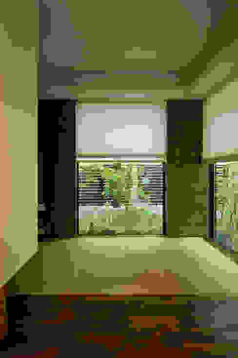 心落ちつく和室 モダンデザインの 多目的室 の TERAJIMA ARCHITECTS モダン