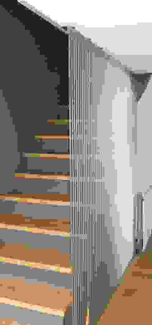 Corridor & hallway by AESCHLIMANN ARCHITEKTEN, Modern