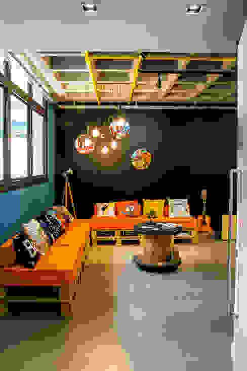 Escritórios modernos por La Idea Arquitetura e Design Moderno