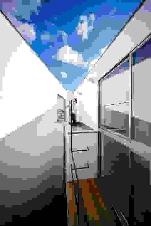 bent 北欧デザインの テラス の 一級建築士事務所haus 北欧