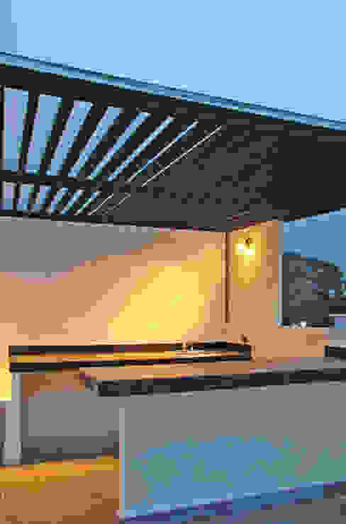 Vista Exterior- Roof Garden Balcones y terrazas modernos de homify Moderno