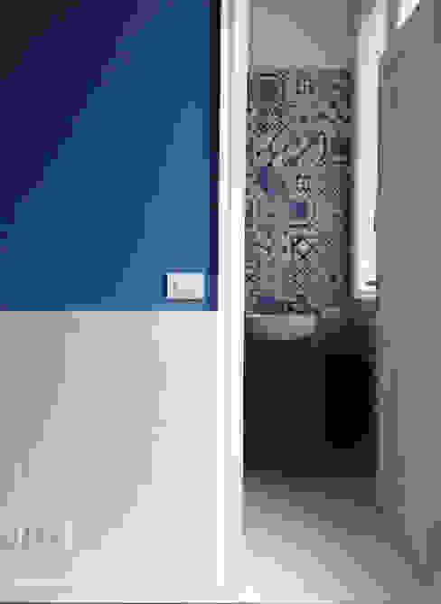 casa Fiori Mediterranean style bathroom by Studio Matteoni Mediterranean