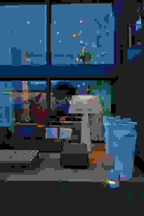 Villa La Magnaneraie Balcone, Veranda & Terrazza in stile moderno di Studio Matteoni Moderno