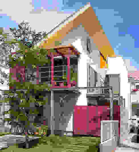 ミモザの木から発想した家 モダンな 家 の ユミラ建築設計室 モダン