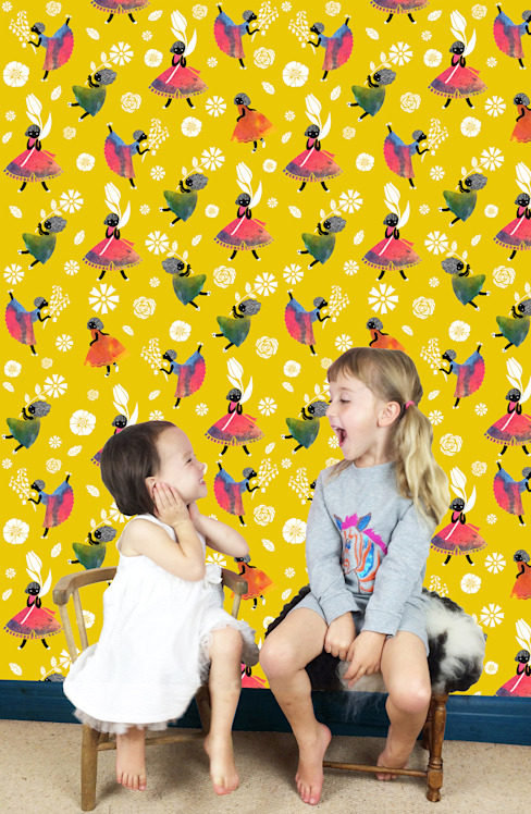 Flower Girls - Wallpaper - Yellow de Sas and Yosh Moderno