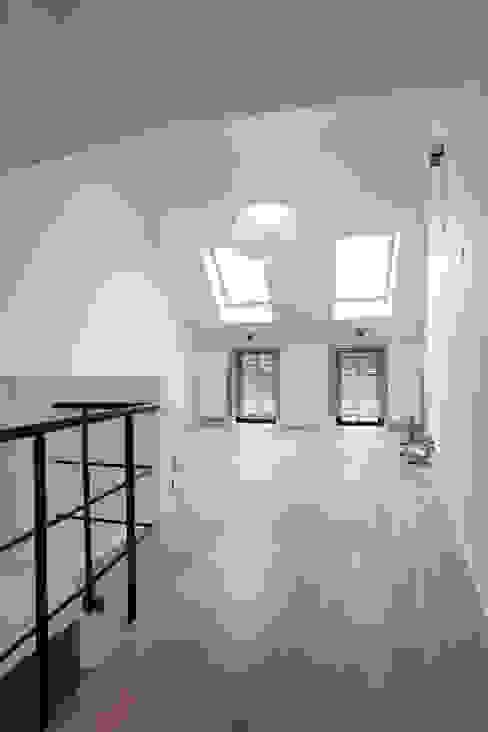 séjour Salon original par ici architectes sprl Éclectique