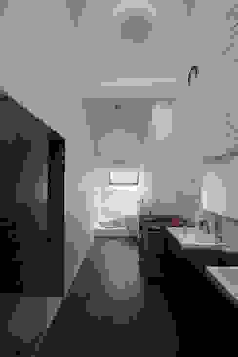 아시아스타일 욕실 by ici architectes sprl 한옥