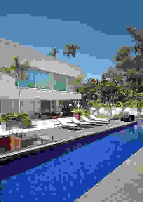 Casas modernas por BC Arquitetos Moderno