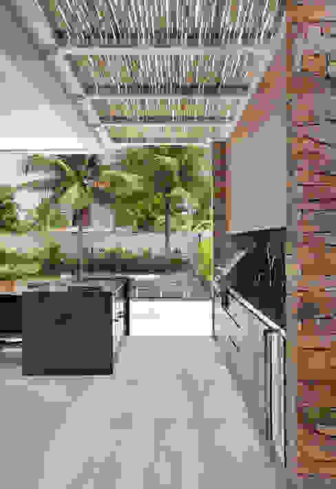 RESIDÊNCIA RP WIMBLEDON Cozinhas modernas por BC Arquitetos Moderno