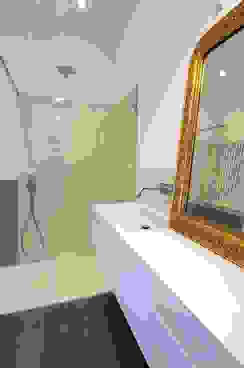 CAS/AL/PALOCCO [2012] Bagno moderno di na3 - studio di architettura Moderno Vetro
