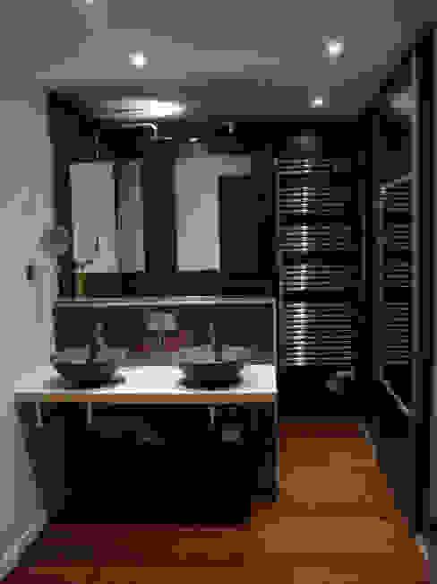 coin salle de bain dressing Salle de bain moderne par Clemence de Mierry Grangé Moderne