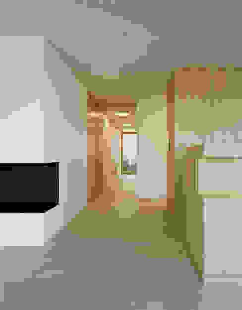 Corridor & hallway by Rossetti+Wyss Architekten