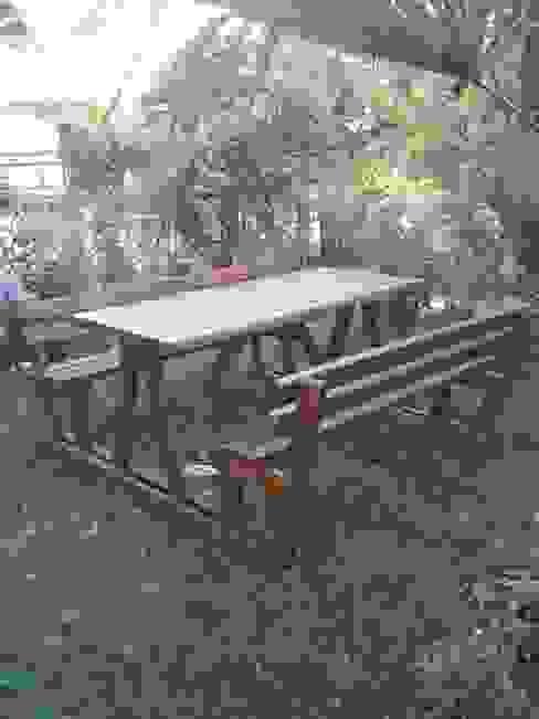 Wood Garden – Bahçe Mobilyaları:  tarz Bahçe,
