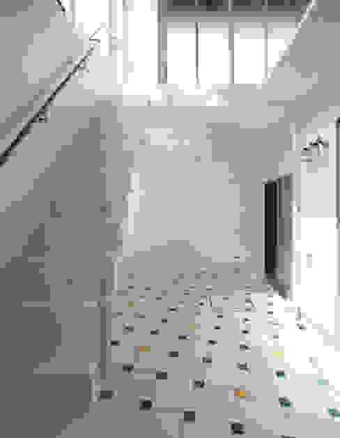 ユミラ建築設計室 Balcon, Veranda & Terrasse modernes