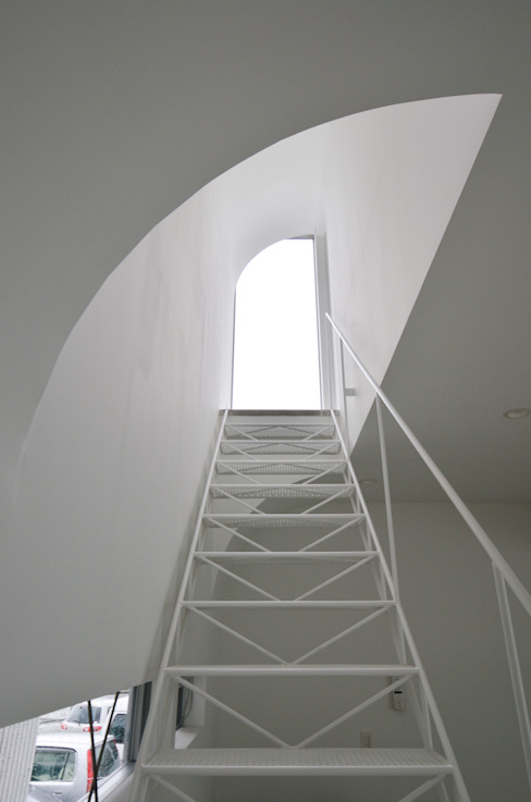湧水町の住宅: アトリエ環 建築設計事務所が手掛けた廊下 & 玄関です。,モダン