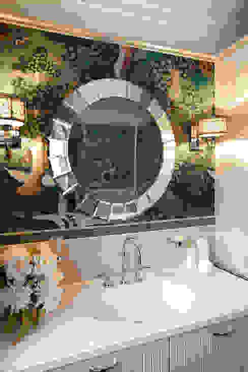 Санузел при спальне Ванная в классическом стиле от Abwarten! Классический