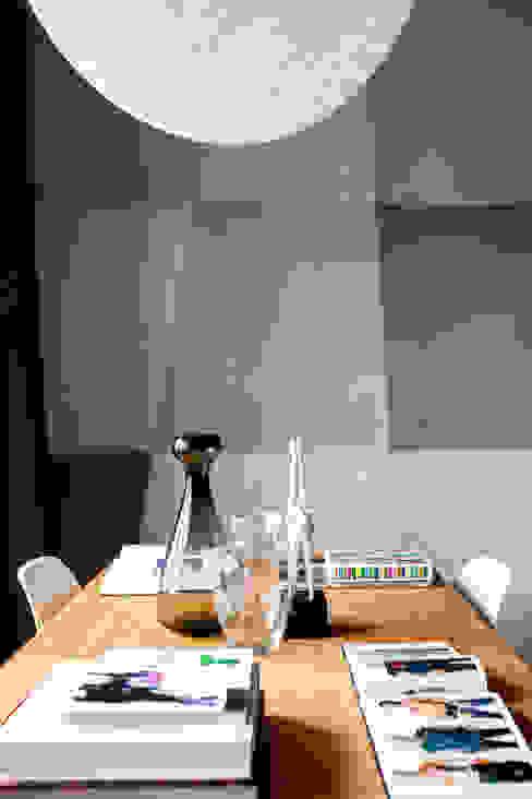 Płyty betonowe typu flexi Contractors Nowoczesna jadalnia Beton Szary