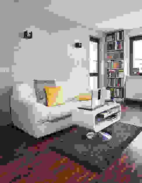 Moderne Wohnzimmer von ZIZI STUDIO Magdalena Latos Modern