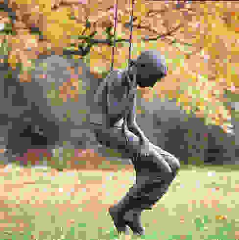 Girl on Swing - life size de Vanessa Marston Clásico