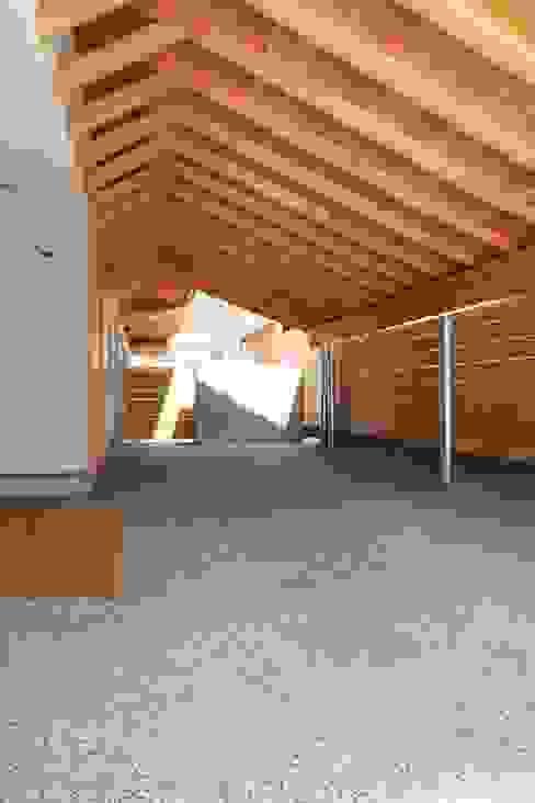 Garasi Modern Oleh ATS造家設計事務所 Modern