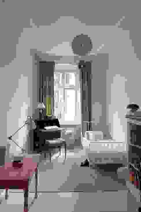 Chambre d'enfant classique par homify Classique