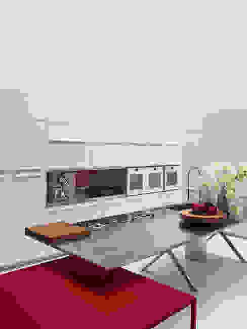 ISLA CROSS Cocinas de estilo moderno de Versat Moderno