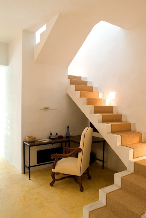 Eclectic style corridor, hallway & stairs by Taller Estilo Arquitectura Eclectic