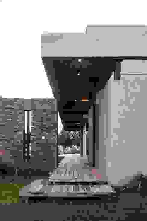 Casa MM Casas de estilo moderno de FAARQ - Facundo Arana Arquitecto & asoc. Moderno