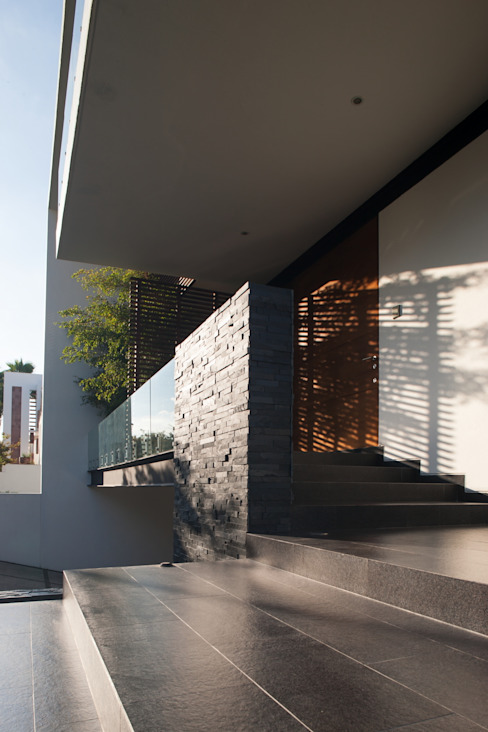Houses by GLR Arquitectos