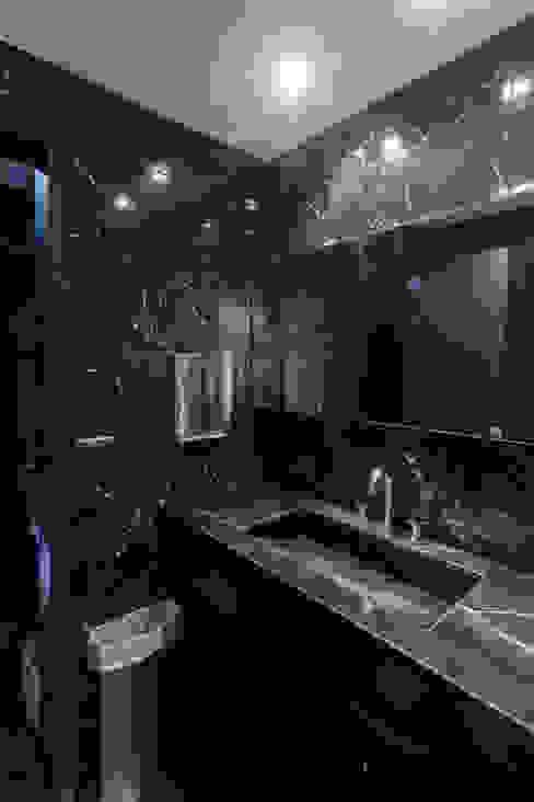 HOTEL MICROCENTRO PORTEÑO: Baños de estilo  por Estudio Arqt,Moderno