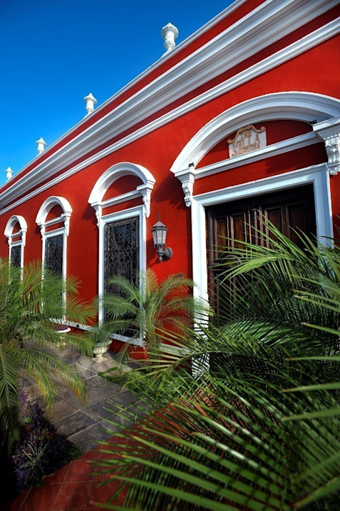 Colonial style hotels by Taller Estilo Arquitectura Colonial
