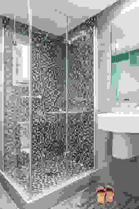 Baño Baños de estilo moderno de incommunstudio Moderno