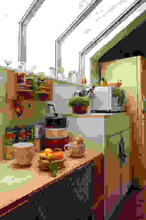 エントランスハウスシックな家 カントリーデザインの キッチン の 有限会社タクト設計事務所 カントリー