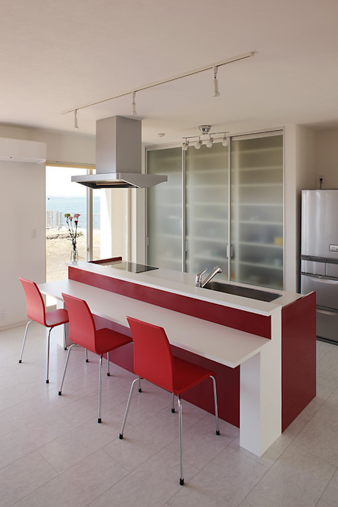 プロバンス風住宅 モダンな キッチン の 有限会社タクト設計事務所 モダン