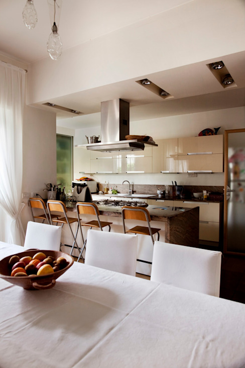 Modern kitchen by MAT architettura e design Modern