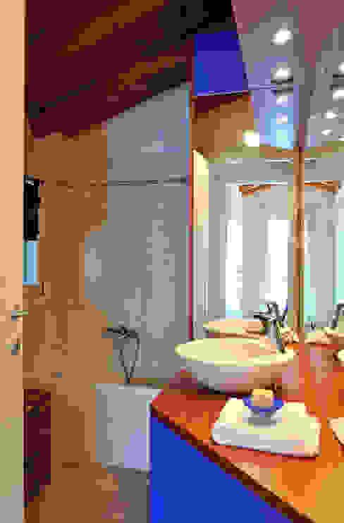 Ванные комнаты в . Автор – Valtorta srl,