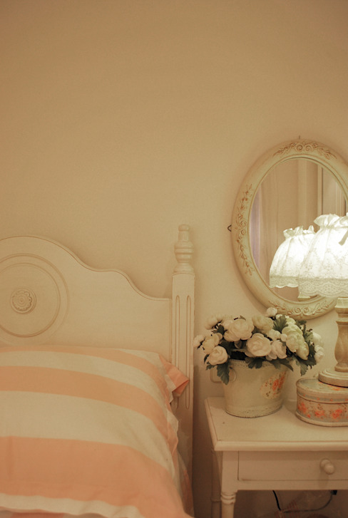 Nursery/kid's room by Vicente Galve Studio, Classic