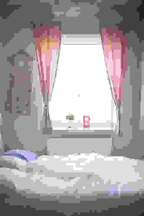 Pokój Basi - romantyczne pastele. Klasyczny pokój dziecięcy od Miśkiewicz Design For Kids Klasyczny