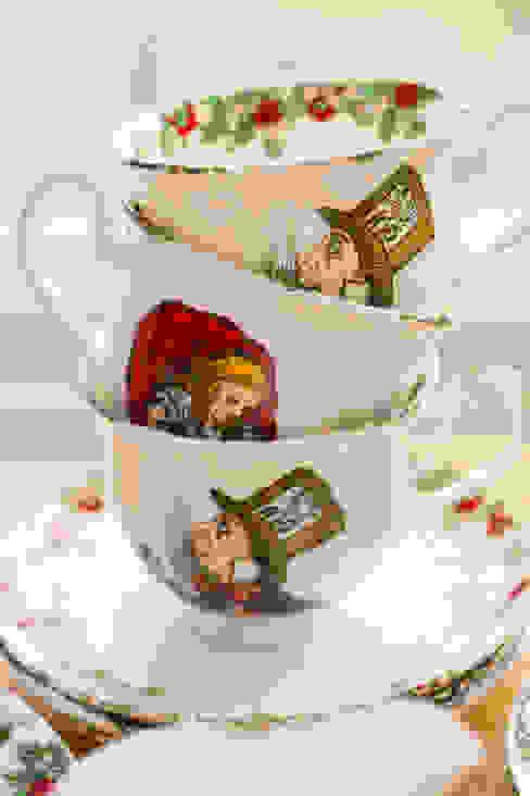 Alice In Wonderland Bone China Tea Cup & Saucer di The Alice Boutique Classico