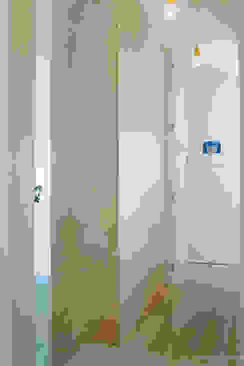 casa luana Ingresso, Corridoio & Scale in stile moderno di Studio Zero85 Moderno