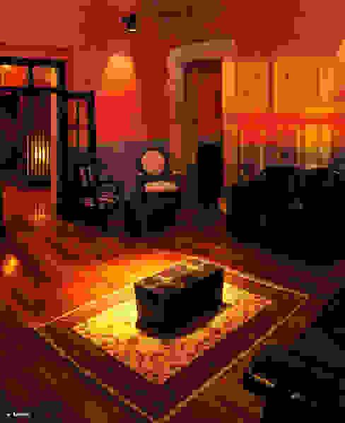 Alameda 402: Salones para eventos de estilo  por Taller Habitat Arquitectos, Ecléctico