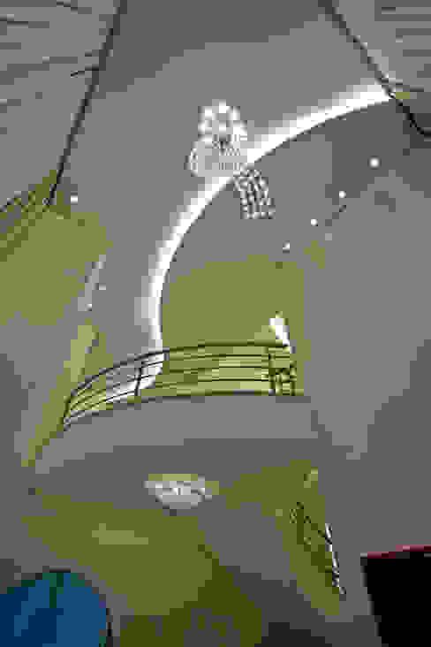 Salas/Recibidores de estilo  por Arquiteto Aquiles Nícolas Kílaris
