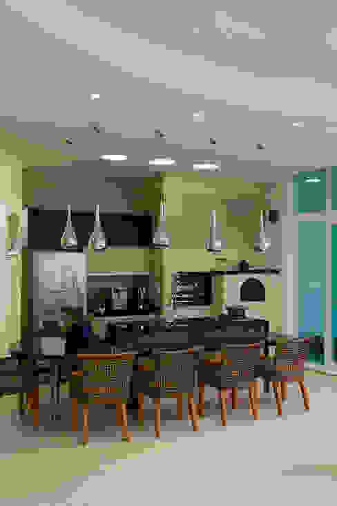 de estilo  por Arquiteto Aquiles Nícolas Kílaris, Moderno