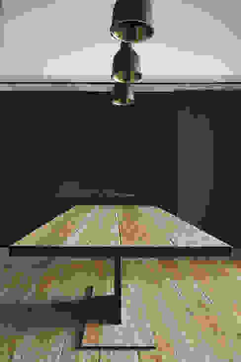 Plus Concept Studio Sala de estarLareiras e acessórios