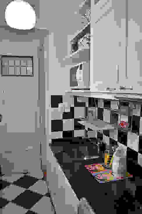 Kitchen by GUTMAN+LEHRER ARQUITECTAS, Modern