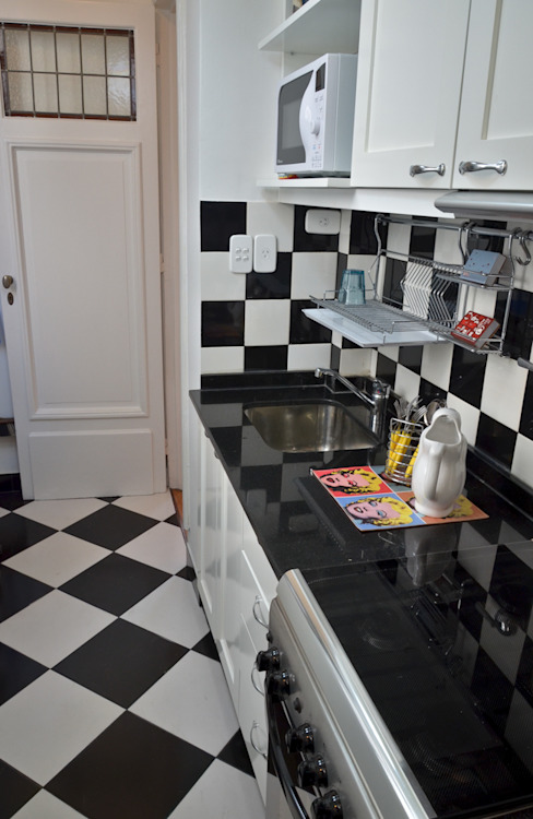 Departamento en Recoleta I Cocinas modernas: Ideas, imágenes y decoración de GUTMAN+LEHRER ARQUITECTAS Moderno