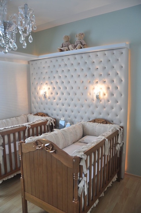 Nursery/kid's room by Juliana Farias Arquitetura, Modern
