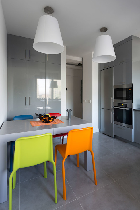 Mieszkanie na Gocławiu Nowoczesna kuchnia od Jacek Tryc-wnętrza Nowoczesny