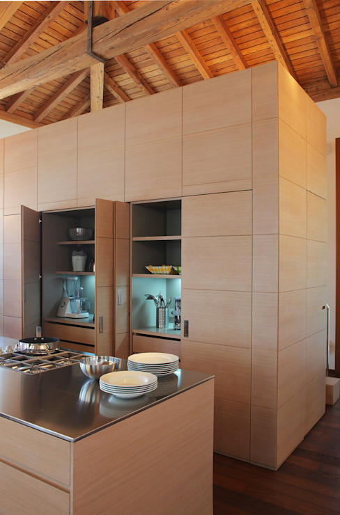 Kitchen by isabella maruti architetto
